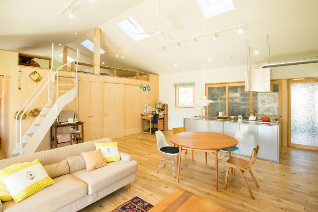 大きなワンフロア空間を楽しむ家