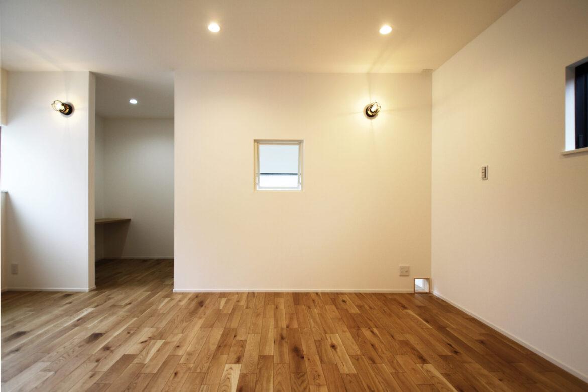 >書斎のある寝室とキャットウォーク出入口