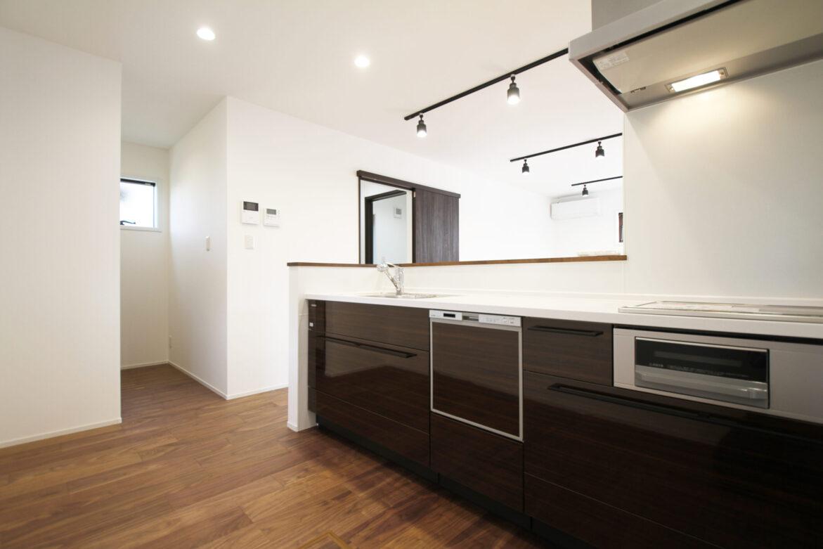 >キッチン